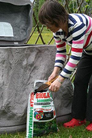 Landshaftnyiy komposter kamen Biolan